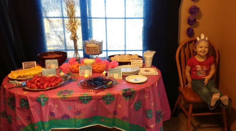 how to throw a frozen birthday party for a three year old